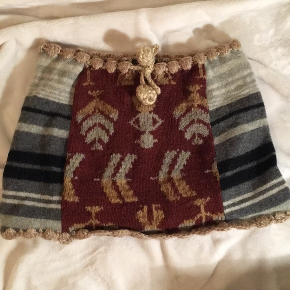 Knit mini skirt poncho